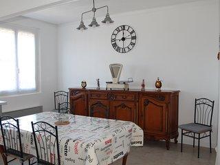 Maison rénovée et climatisée pour 6 personnes à proximité de la mer