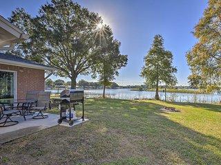 Waterfront Tampa House 6 Mi. to Busch Gardens