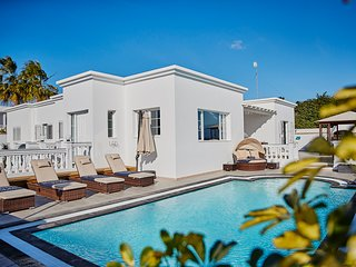 Luxurious,modern boutique private villa  based in the resort of Puerto Calero