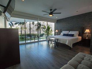 3 Level Loft-Modern Design- Ocean Garden View