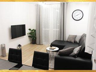 New & Modern Grand Apartment