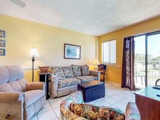 NEW! Tropical family friendly retreat w/multiple pools, hot tub & fitness center