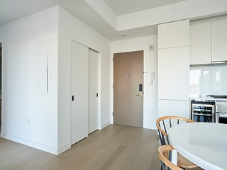 Sunny 1BR in Hell's Kitchen by Sonder