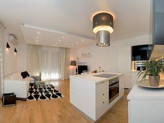 4 me Apartments