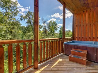 NEW LISTING! Lofty mountain view cabin w/ hot tub, pool table & 2 level deck