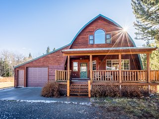 NEW LISTING! Spacious cabin w/ a fireplace, views, 8 miles to Yellowstone!
