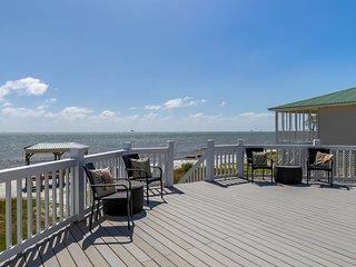 NEW LISTING! Making memories at Paradise, a beachfront home w/ gazebo, decks