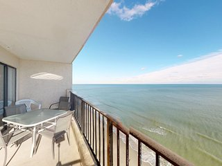 Spectacular oceanfront condo w/shared pool, beach just steps away