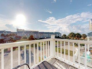 NEW LISTING! Entire Gulf view duplex w/decks, beach access & shared pool/hot tub