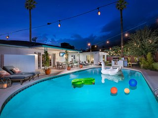 NEW LISTING! Renovated home private pool, private hot tub, & putting green