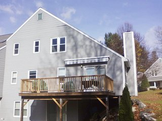 Beautiful Berkshire Mtn. Condo with Mountain Views, near Tanglewood, Lakes et al