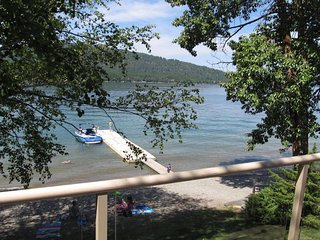 NEW LISTING! Renovated lakefront condo w/ deck, beach access!