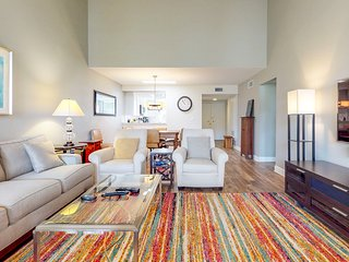NEW LISTING! Modern condo w/shared hot tub, pool, tennis - convenient location