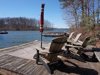 NEW LISTING! Lovely Home in Cove w/ boat dock, Pool Table & Full Kitchen