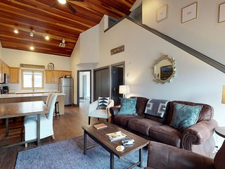 Ski-in/out from this newly-remodeled townhome w/private hot tub