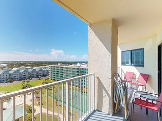 NEW LISTING! Modern condo w/Gulf view, shared pool, hot tub-walk to the beach