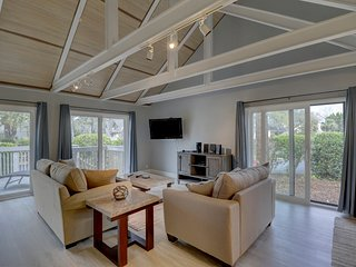 Premier vacation rental w/ a big deck, a shared pool, and a great location!