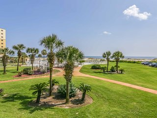 NEW LISTING! Waterfront condo w/shared pool & hot tub - walk to the beach