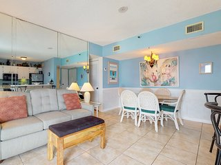 NEW! Beach condo w/Gulf view, pool, hot tub, sports courts at Plantation Palms