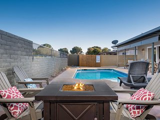 Desert charmer w/ private pool, hot tub & dog friendly!