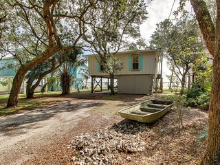 Lagoon-front home w/tiki bar & dock/boat lift-near beach