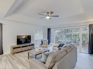Dog-friendly remodeled home w/ private patio, new furnishings & shared pool!