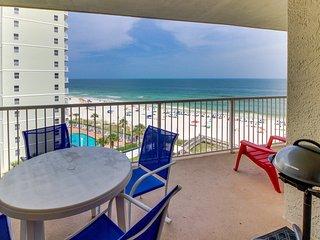 Beachfront, eighth-floor condo w/ amazing views & shared pool