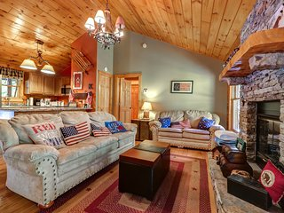 NEW LISTING! Classic, quiet cabin w/private hot tub, fireplace & screened porch