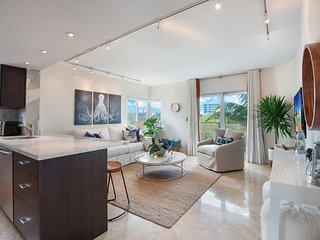 Luxury Miami Beach Condo in South of Fifth. Steps to the Beach