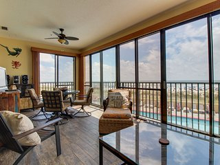 Oceanview condo with shared pools, hot tubs, saunas, and great views!