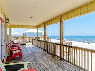 NEW LISTING! Dog-friendly beachfront home w/spacious deck, amazing Gulf views