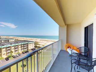 NEW! Waterfront Plantation Palms condo w/ views from balcony, pool & hot tub!