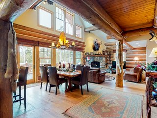 Large rustic cabin w/ private hot tub/game room - walk to ski lifts