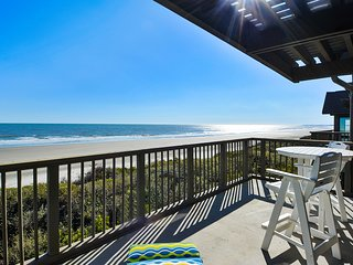 NEW LISTING! Dog-friendly, waterfront condo w/furnished deck & beach views