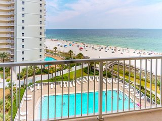 Waterfront condo w/ shared pool & incredible views - on the beach