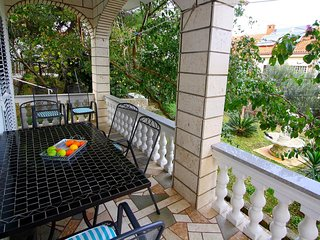 Holiday Home Lana - Holiday Home with Terrace