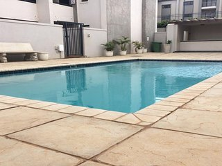 Beanies Retreat | Modern Apartment | Central Umhlanga | Pool | Beach