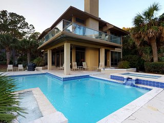 Sprawling, waterfront vacation home with private pool and ocean views