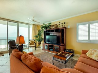 NEW LISTING! Breezy condo near the beach w/ shared pool, sauna, & water views