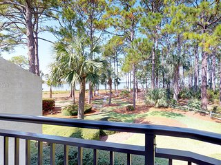 Beachfront condo with shared pool and a view of Calibogue Sound!