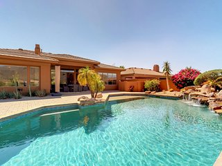 Gorgeous home w/pool, terrace & mountain view-near golf/restaurants