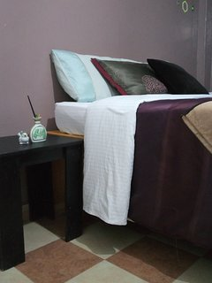 Neighbours apartment,queen bed,free Wifi,along thika road, near garden city mall