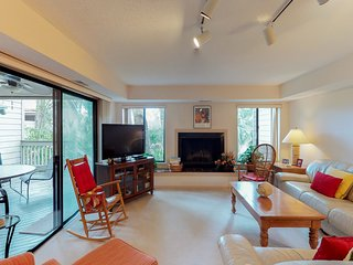Comfy condo with two pools, tennis, and private balcony - close to the beach