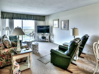 NEW! Waterfront Plantation Palms condo w/shared pool & hot tub, walk to beach