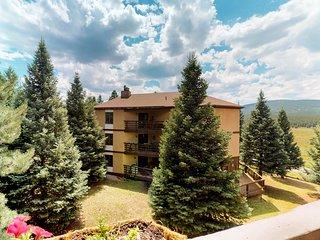 Luxury condo with mtn views near skiing, hiking, biking, and resort