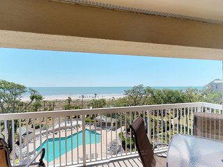 Oceanfront penthouse w/ unmatched views & shared pool, hot tub & tennis!