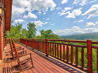 Three-level cabin w/ hot tub, game room, loft, deck, & gorgeous mountain views