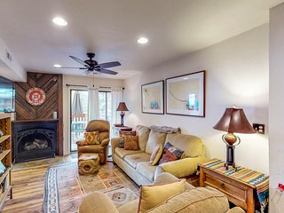 Remodeled, dog-friendly condo w/ mountain views - a short walk to Angel Fire!