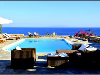 Villa Bella Vista with private pool next to the sea and Soros beach