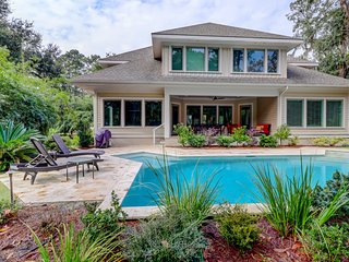 Superb vacation home with private pool - close to golf, tennis, and the beach